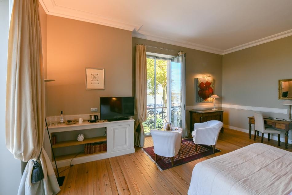 Chambre supérieure de luxe vue Garonne