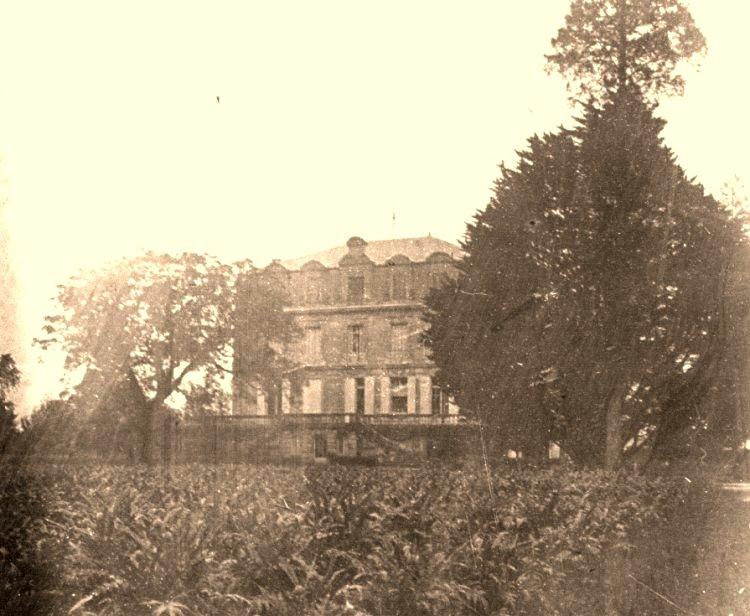 Photo ancienne du Château Grattequina à Blanquefort près de Bordeaux