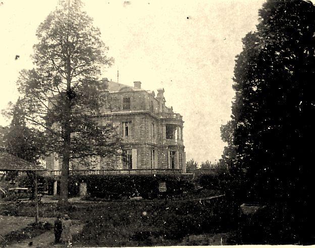 Photo ancienne de 1927 : façade sud du château